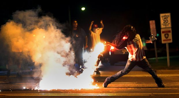 Ferguson Unrest – Michael Brown Shoot by Police (video)